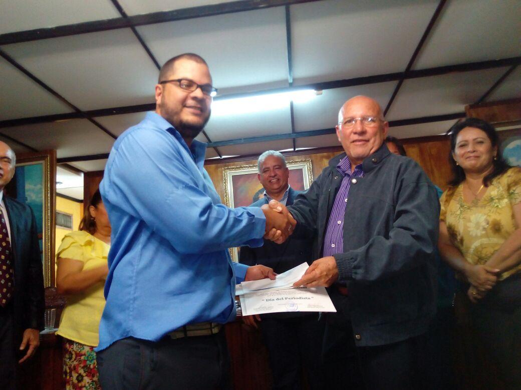 Nos ganamos el Premio Municipal de Periodismo en Valmore Rodríguez