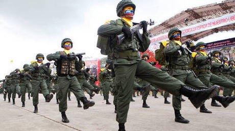 En las Fuerzas Armadas entrenan a los «colectivos»