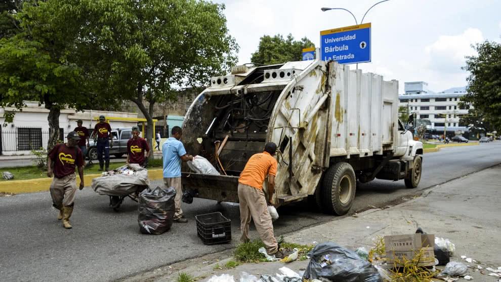 Mamá: yo quiero manejar el camión de basura