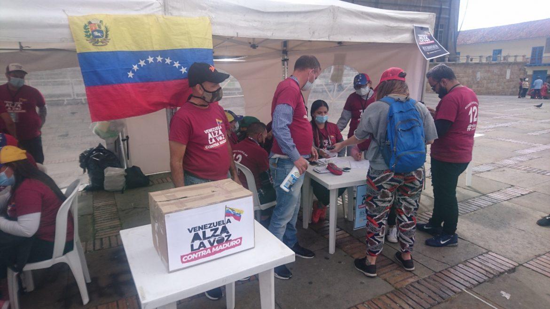 Con dudas sobre el futuro, venezolanos participaron en la consulta popular
