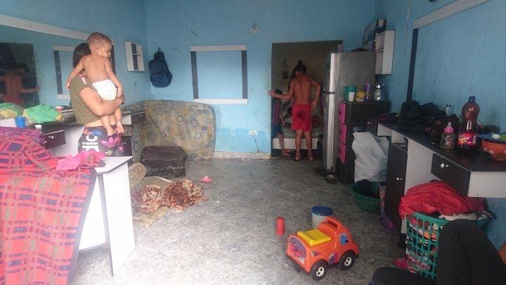 Apretados: así viven los migrantes venezolanos en La Parada